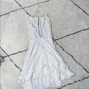 Olivaceous white dress